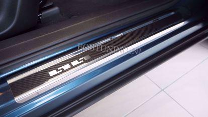 Afbeeldingen van Carbon rvs instaplijsten Opel movano / Renault master 2003-2010