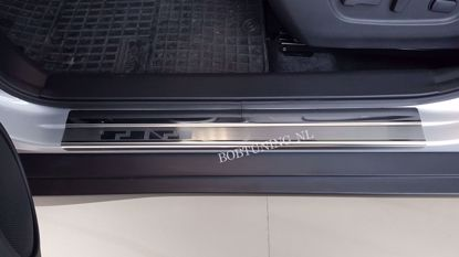 Afbeeldingen van Rvs instaplijsten Fiat panda 2012-