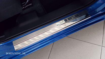 Afbeeldingen van Rvs instaplijsten Suzuki swift (5deur) 2004-2010