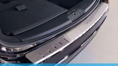 Afbeeldingen van Rvs bumperbescherming Toyota Avensis (kombi) 2003-2009