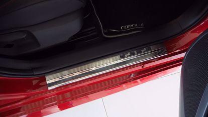 Afbeeldingen van Rvs instaplijsten Toyota corolla (5deur) 2019-