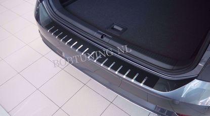 Afbeeldingen van Carbon rvs bumperbescherming Volkswagen Golf 8 (5 deur) 2020+